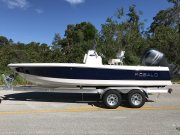 New 2018 Robalo 206 Cayman Bay Boat for sale