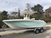 New 2018 Robalo 202 Explorer Center Console Power Boat for sale