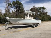 New 2018 Robalo 246 Cayman Bay Boat Power Boat for sale