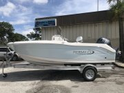 New 2019 Robalo R180 ICE BLUE HULL