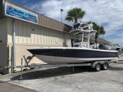 New 2021 Robalo 246 Skydeck Cayman Power Boat for sale
