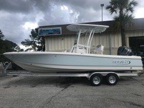 New 2019 Robalo 246 Cayman with Hardtop