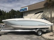New 2019  powered Chaparral Boat for sale