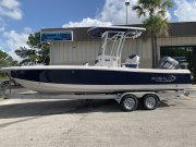 New 2019 Robalo 246 Cayman Deepwater Blue