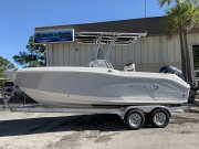 New 2019 Robalo R200 Center Console in Alloy Grey