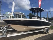 New 2019 Robalo R246 for sale