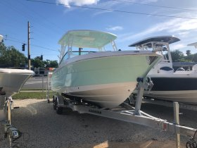 New 2019 Robalo R247 Power Boat for sale