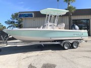 New 2020 Robalo 226  Cayman Bay Boat Power Boat for sale