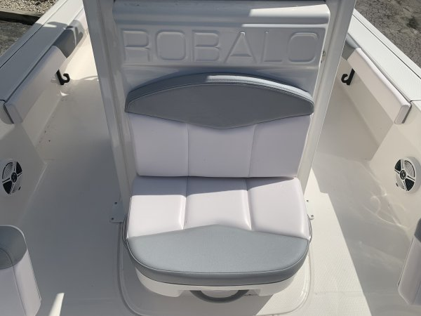 A 226 Cayman Bay Boat is a Power and could be classed as a Bay Boat, Center Console, Fish and Ski, Freshwater Fishing, High Performance, Saltwater Fishing, Runabout,  or, just an overall Great Boat!