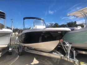 New 2020 Robalo ROBALO 180  Boat for sale