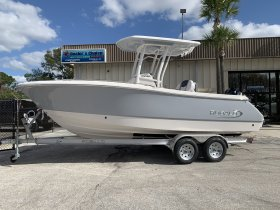 New 2020 Robalo 230 Center Console Power Boat for sale