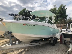 Used 2018 Robalo for sale