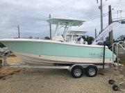 New 2021 Robalo ROBALO 23O CENTER CONSOLE for sale