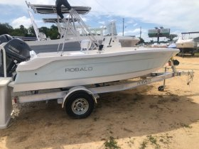 New 2021 Robalo ROBALO 160 CENTER CONSOLE Power Boat for sale