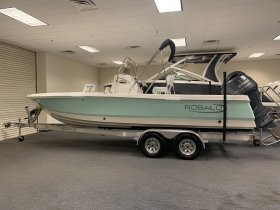 New 2021 Robalo Power Boat for sale