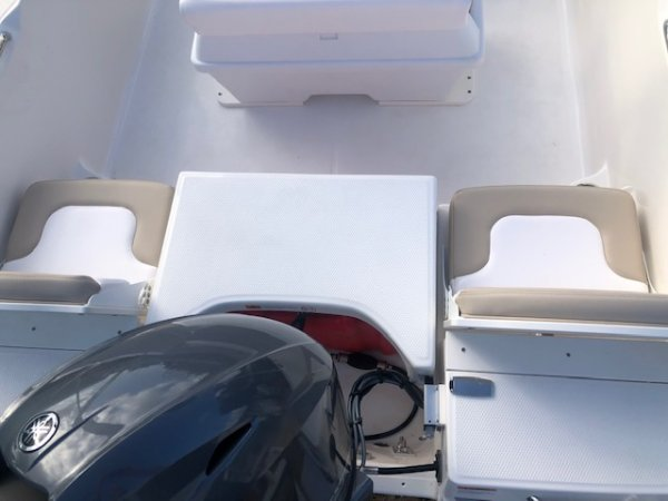 A ROBALO R160 CENTER CONSOLE is a Power and could be classed as a Bay Boat, Center Console, Fish and Ski, Flats Boat, Saltwater Fishing, Wakeboard Boat,  or, just an overall Great Boat!