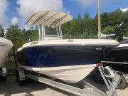 Pre-Owned 2018 Robalo ROBALO R202 EXPLORER  Boat for sale
